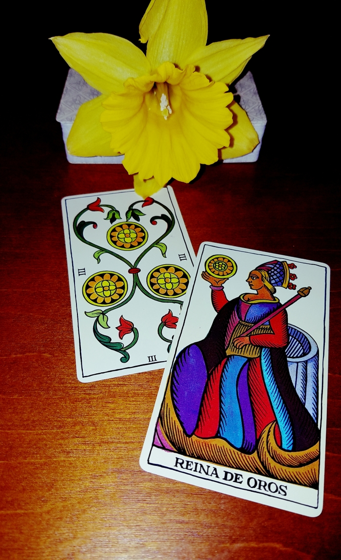 The Spanish Tarot 3 of coins Queen of Coins